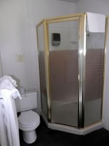 Room-11-bath