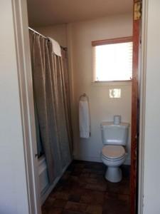 Room-14-bath