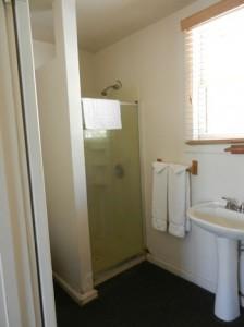 Room-15-bath