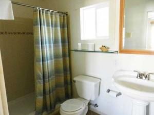Room-8-bath-1